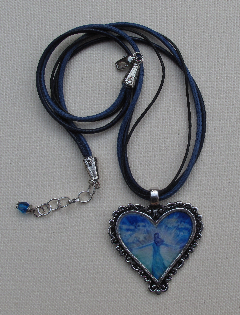 J0010 - Shining Heart Necklace
